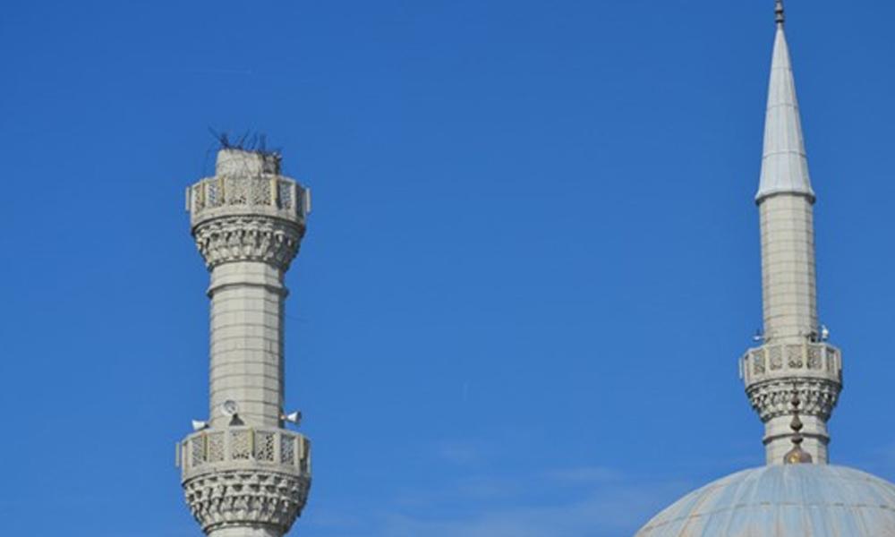 Ertuğrul Özkök'ten depremde yıkılan minareler hakkında: İman yarışına girerse, sonuç böyle oluyor…