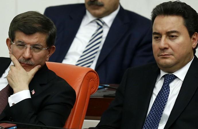 AKP yönetiminden istifaları durdurma hamlesi: Partide kalırsan…