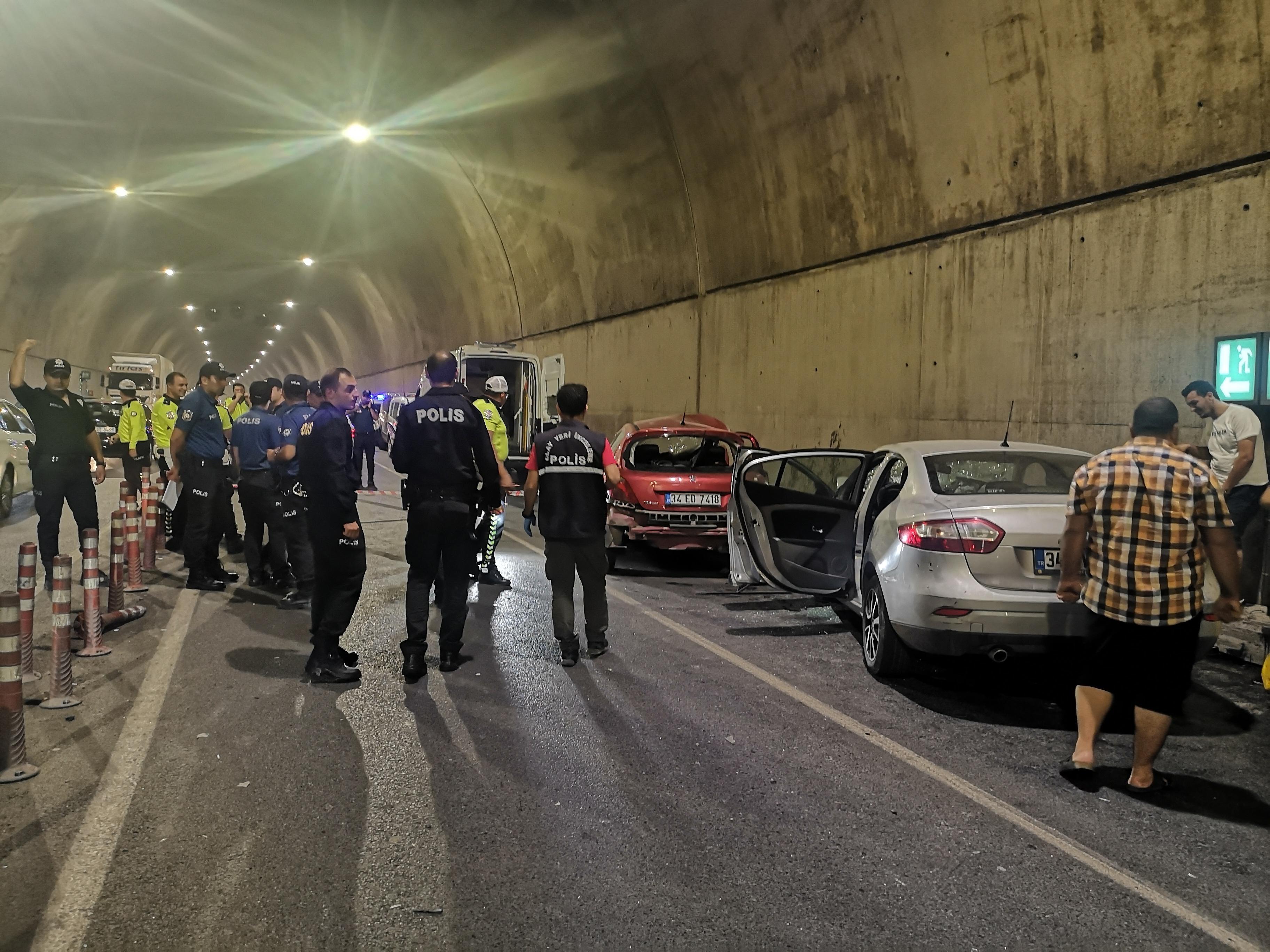 Pendik'te tünelde feci kaza: 2 ölü, 1 yaralı