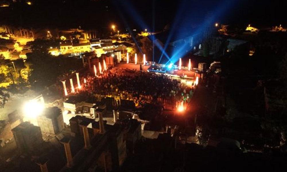 Efes Selçuk'ta, EFEST Festivali başlıyor… Konserlerin tüm geliri Türkiye Eğitim Vakfı'na