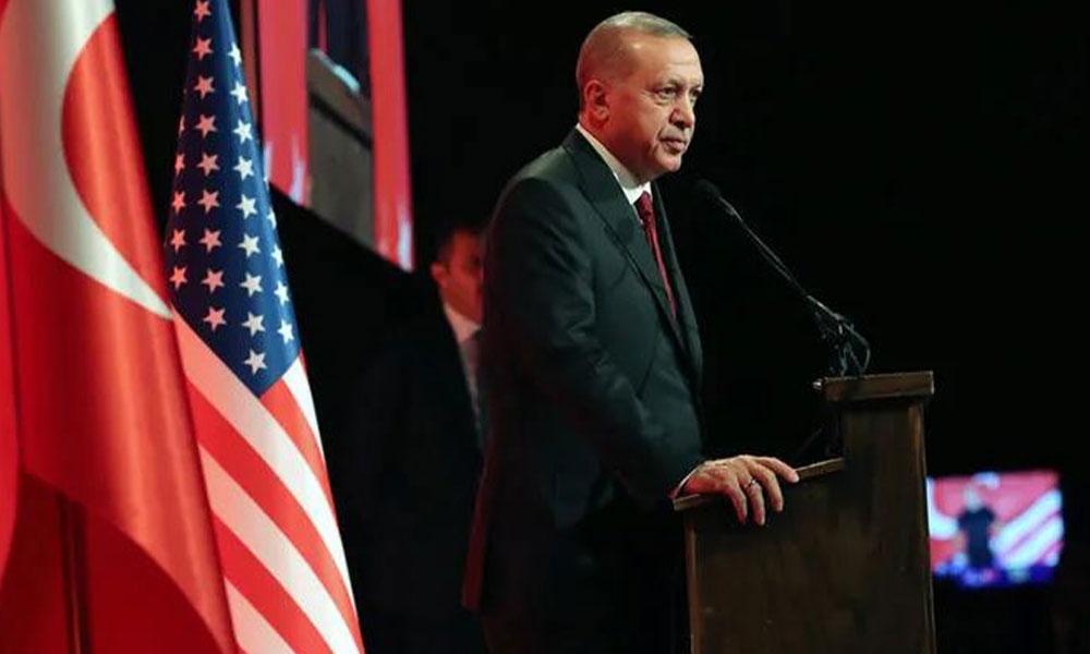 Erdoğan yine gazeteci azarladı: Gazeteci gibi konuşun