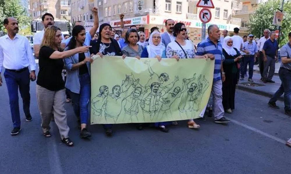 Kayyum eylemleri 20'nci gününde sürüyor: Gezi aileleri Diyarbakır'da