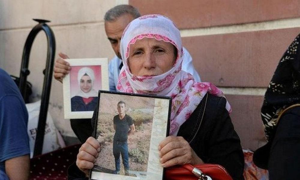 Anne Gürtürk'e kötü haber HDP binası önünde oturma eylemi yaparken geldi: Oğlu hava harekatında ölmüş