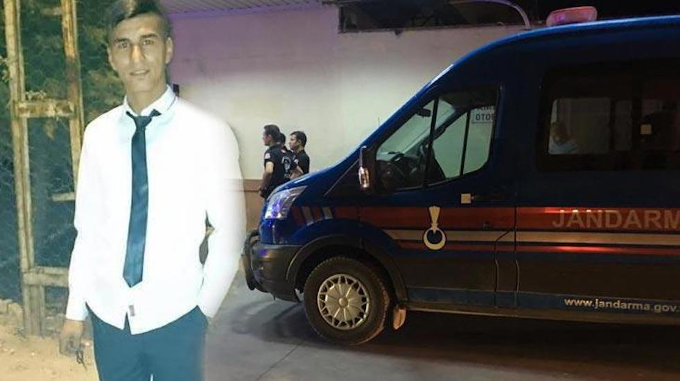 Adana'da 25 yaşındaki genç, canlı yayında pompalı tüfekle intihar etti