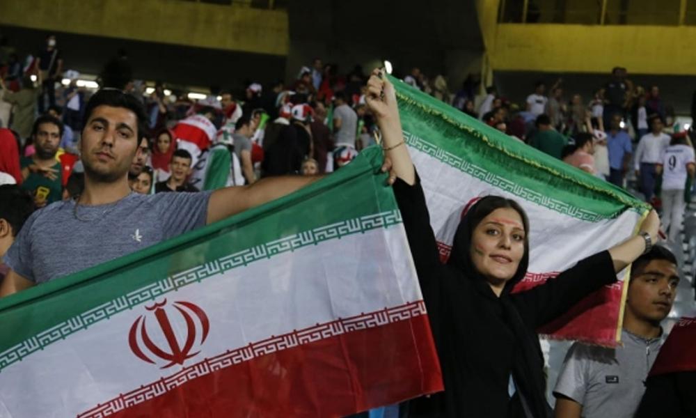 İranlı kadınlar artık milli maçlara girebilecek