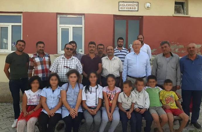 Milli Eğitim zorluyor aileler direniyor! 'Menzil' tarikatının okuluna gidin baskısı!