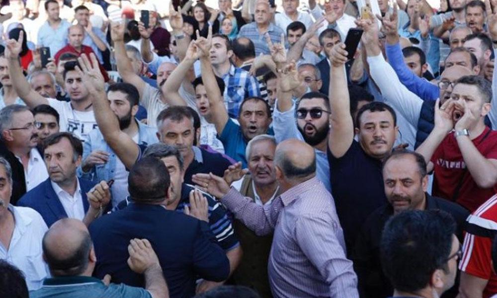 Temel Karamollaoğlu'na provokasyon girişimi!