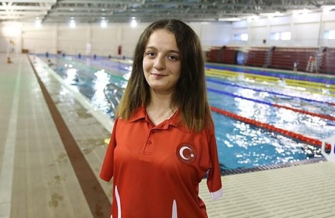 Milli yüzücü Sümeyye Boyacı dünya ikincisi oldu!