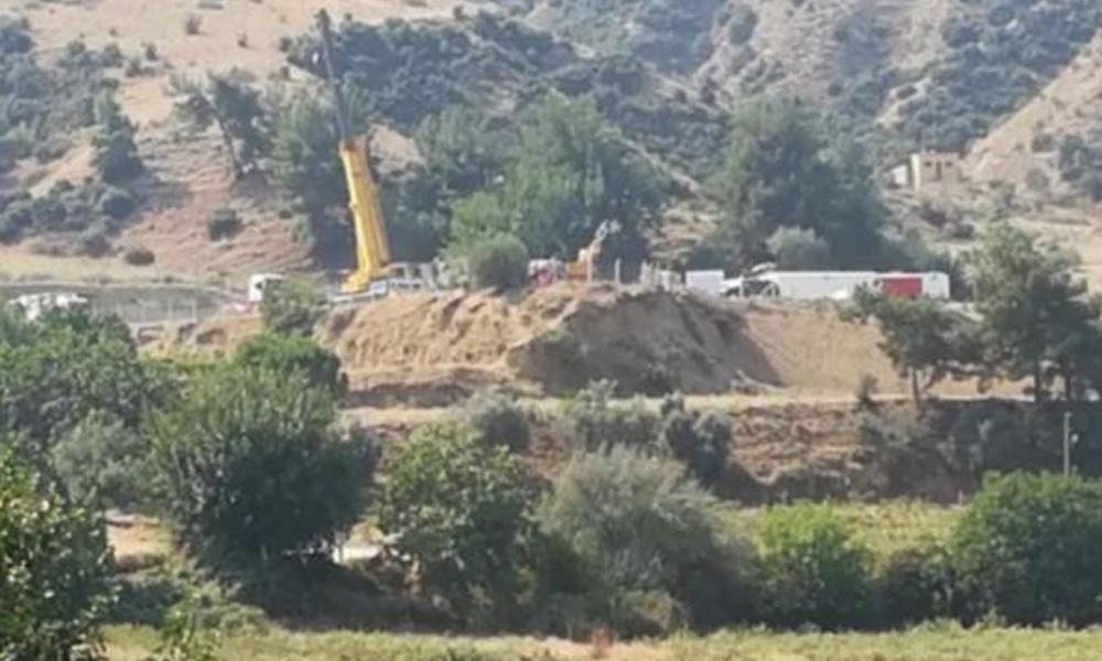 Manisa Salihli'de jandarma eşliğinde santral kurulmaya başlandı