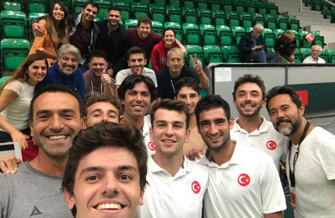 Türkiye, Davis Cup'ta Danimarka'yı 3-2 yenerek tarih yazdı