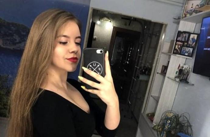 Tüfekle poz vermek isteyen genç kızın yüzü parçalandı