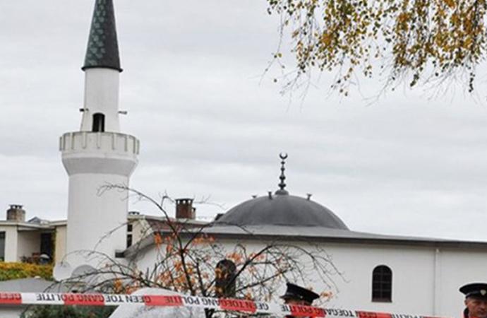 'İtaatsizlik eden kadınların hafifçe dövülebileceği' vaaz edilen cami hakkında karar