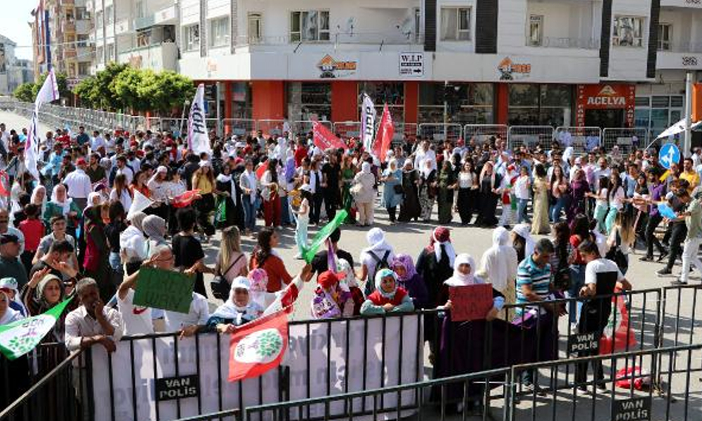 Van'da 1 Eylül Barış Günü mitingi düzenlendi