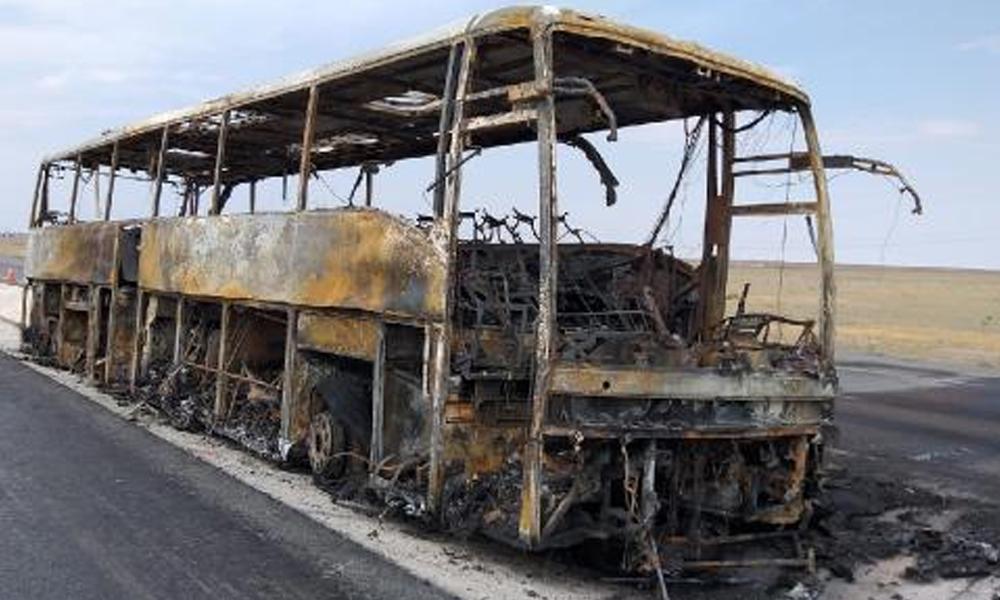 Alev alan otobüsteki 31 yolcu ölümden döndü