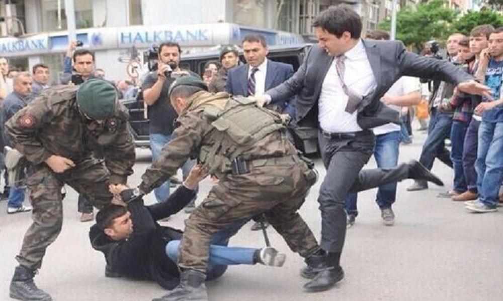 Soma'da acılı işçiye tekme olayıyla gündeme gelen Erdoğan'ın müşaviri, çocuğunun yoğun bakımda olduğunu duyurdu