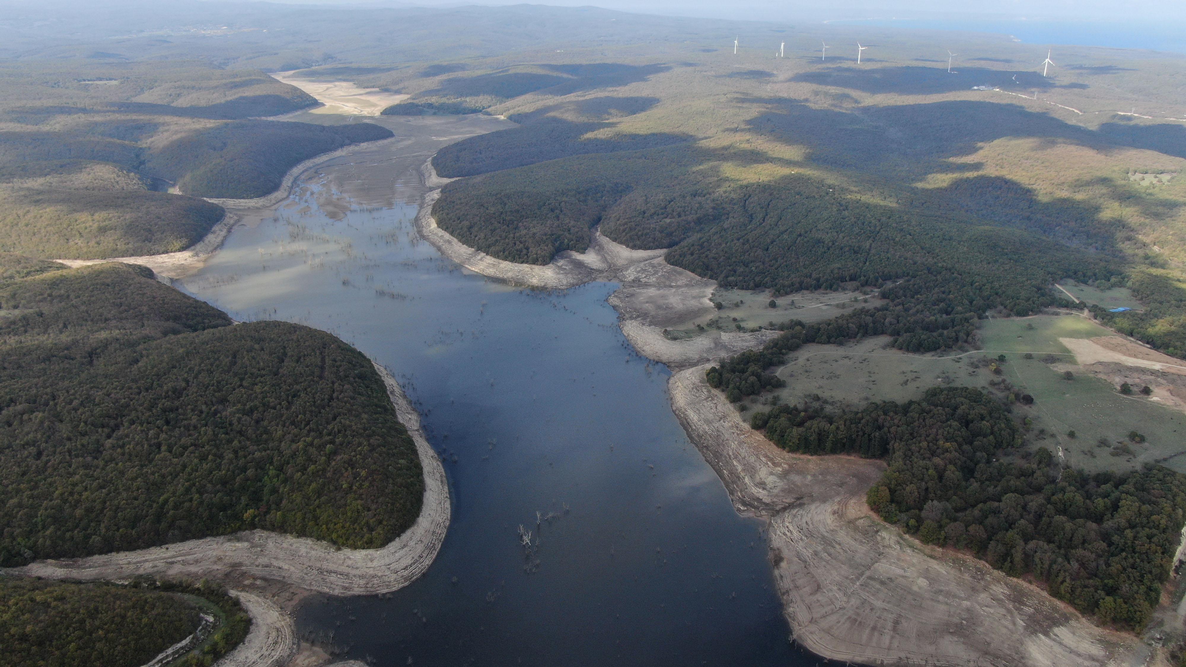 İstanbul'da korkutan görüntü! İki baraj kullanım dışı kaldı