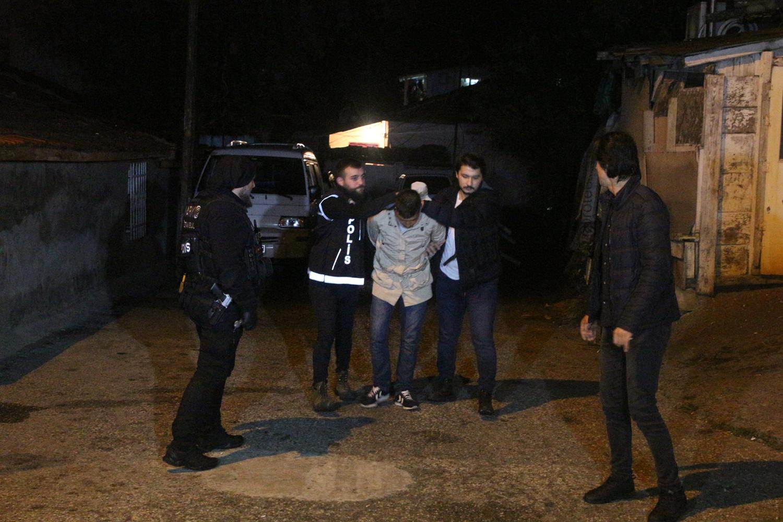 İstanbul'da şafak vakti uyuşturucu operasyonu: 40 gözaltı
