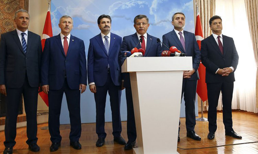 Flaş… Artık sayılı günler kaldı! Ahmet Davutoğlu tabelayı asıyor