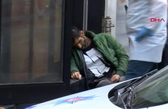 İstiklal Caddesi'nde oturur vaziyette ölü bulundu