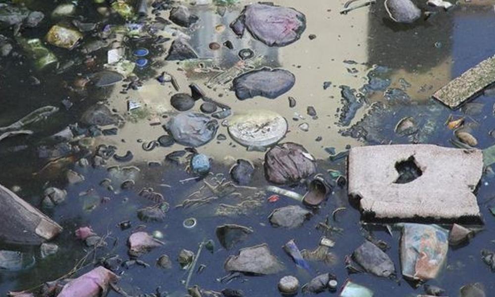 'Erişilemeyen Ada'da plastik yığını ortaya çıktı