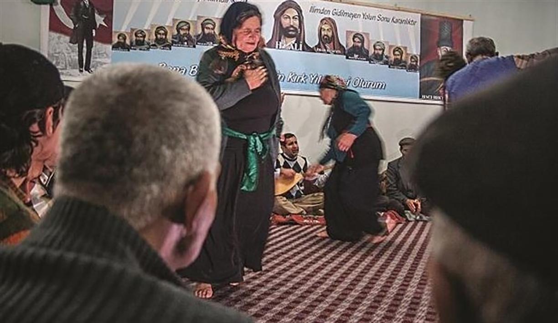 Alevi köyüne dayatma: 'Cami yoksa hizmet de yok'