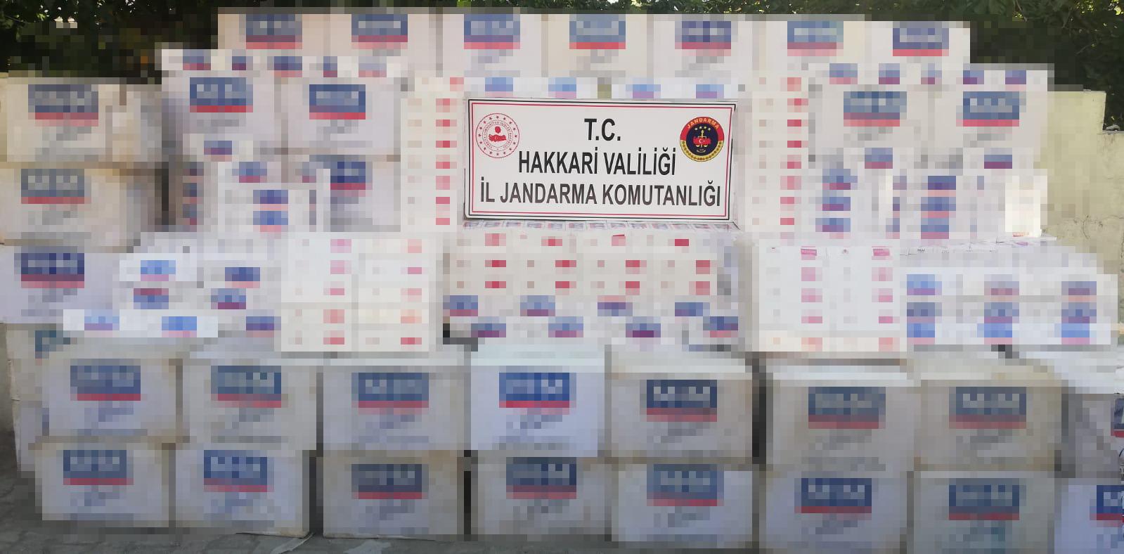 Yük hayvanları ve arazide 52 bin 500 paket kaçak sigara ele geçirildi