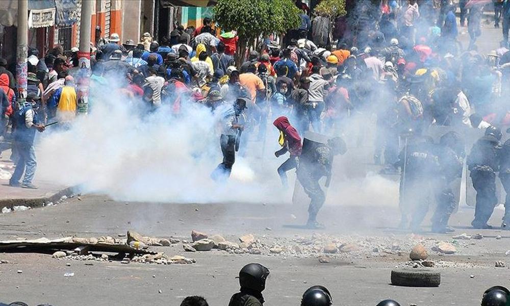 Bolivya'da darbeciler, halka karşı silah kullanmayı serbest ilan etti!