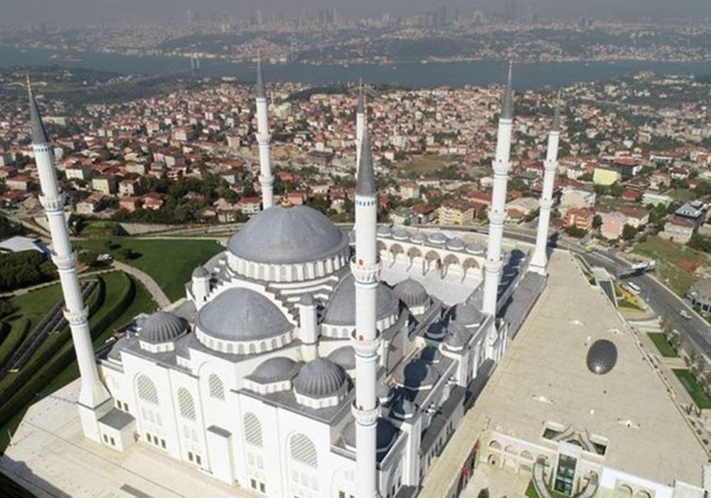 Kiliseden camilere 'Allah'ı savaşa karıştırmayın' çağrısı