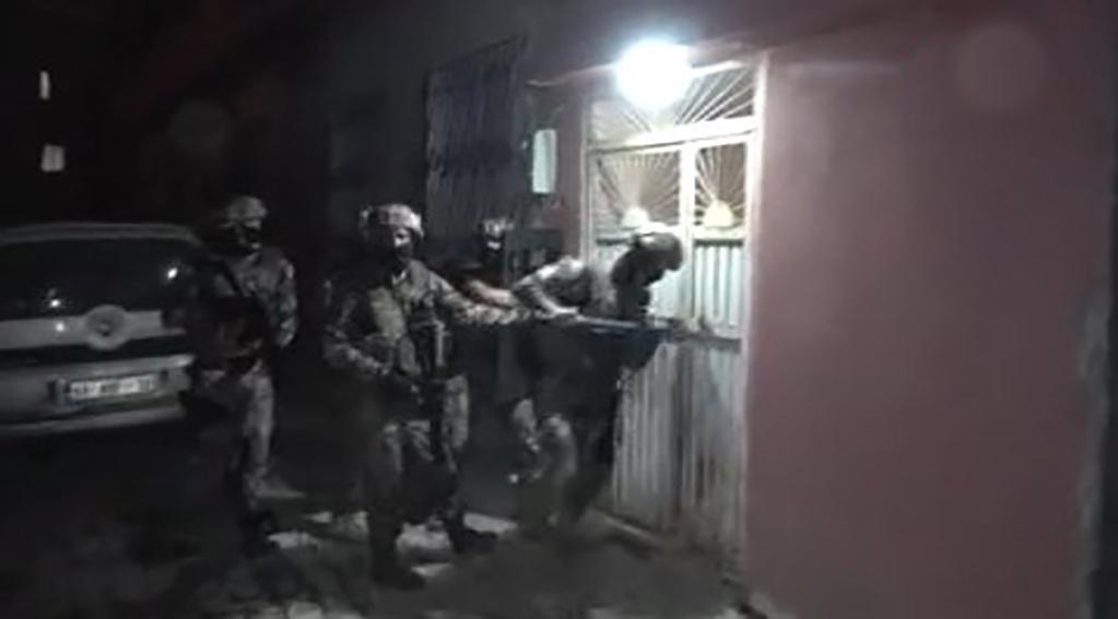 Adana'da IŞİD operasyonu: 9 gözaltı