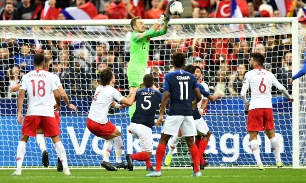 UEFA'nın en iyi 11'i açıklandı! Listede 2 Türk futbolcu var