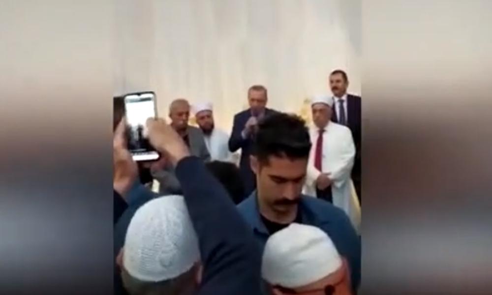 Erdoğan cemaate seslendi: Kendi aramızda merhametli olacağız, Küffara karşı da şiddetli olacağız