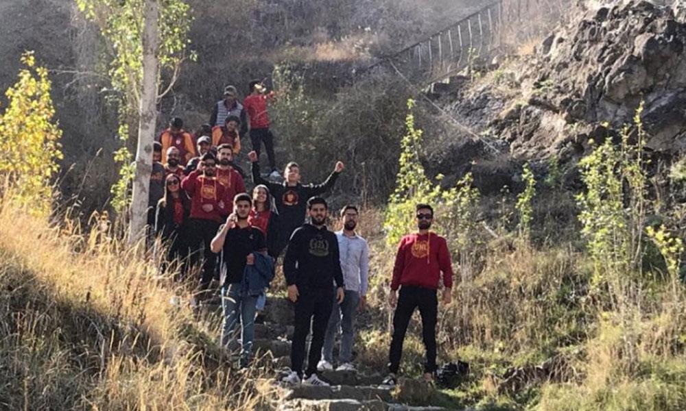 Tortum Şelalesi'ni stadyuma çevirdiler