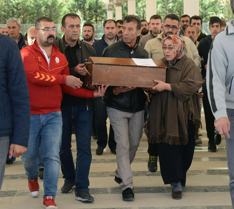 Ağabeyinin 3'üncü kattan attığı 2,5 aylık Çınar bebek öldü
