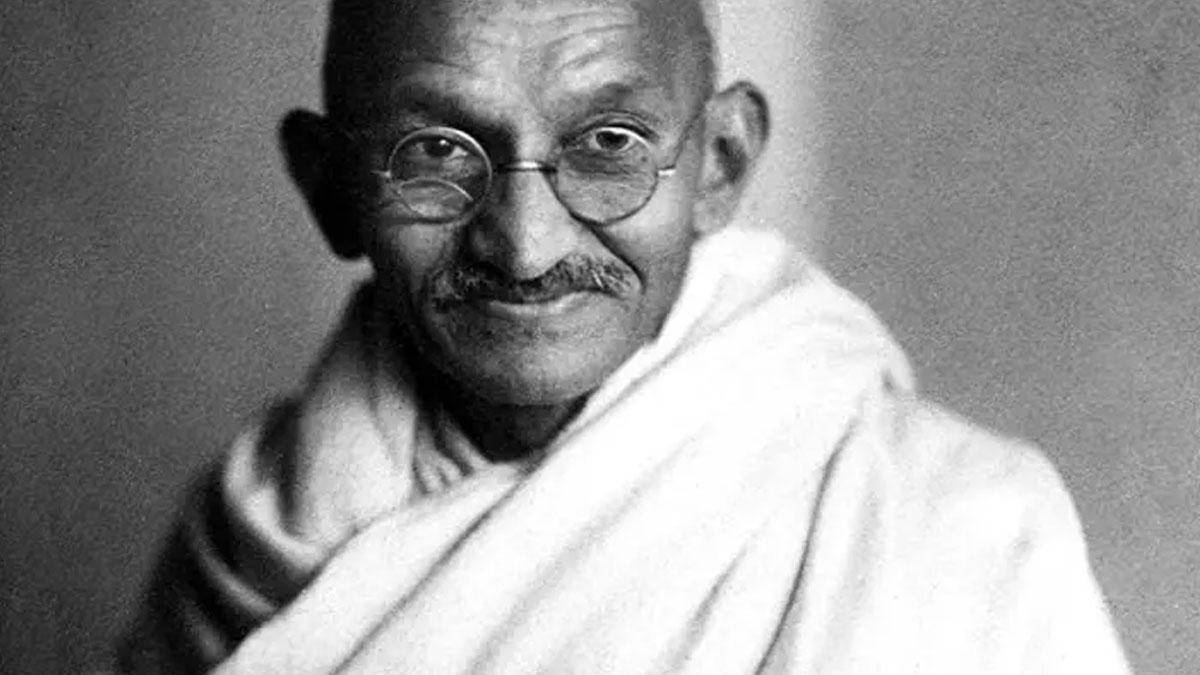 Gandi'nin külleri çalındı