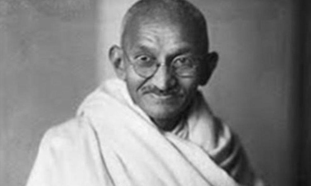 Dünya bunu konuşuyor! Mahatma Gandi'nin külleri çalındı