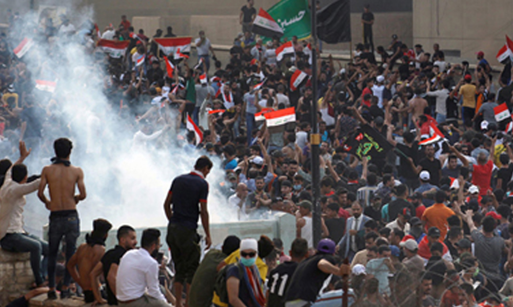 Irak'taki eylemlerde keskin nişancılar protestocuları hedef aldı: Ölü sayısı 65'e yükseldi!