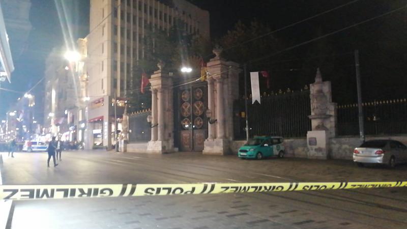 İstiklal Caddesi'nde polisi alarma geçiren olay! Cadde kapatıldı