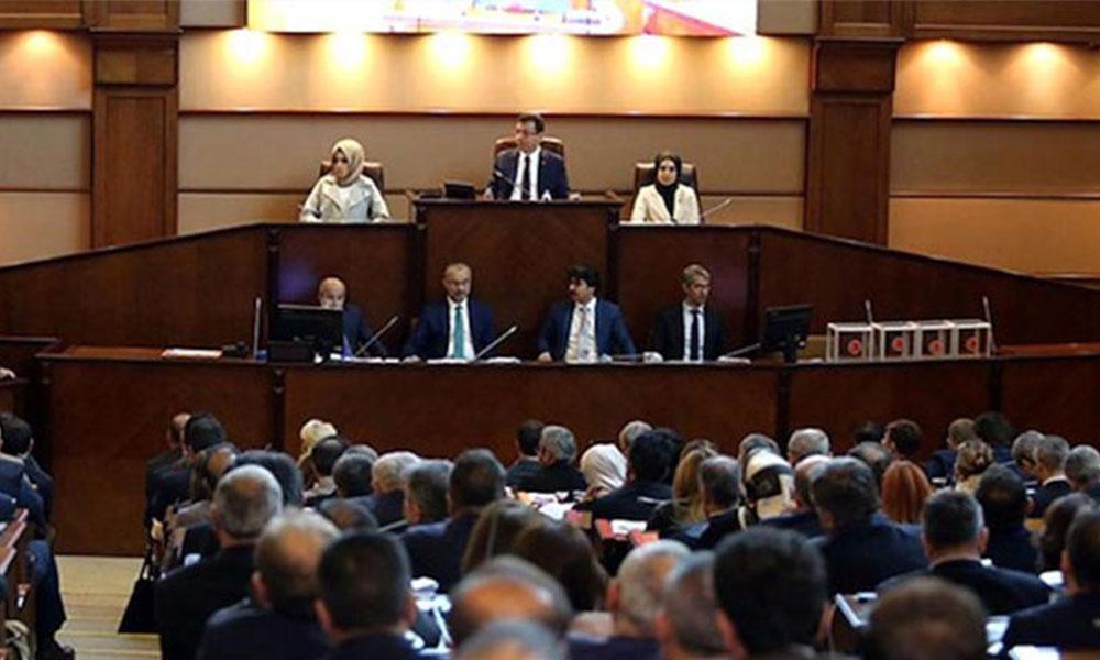 AKP'liler, önceki dönem satılmaya çalışılan bazı arsaların İmamoğlu döneminde yeşil alan olmasını talep etti