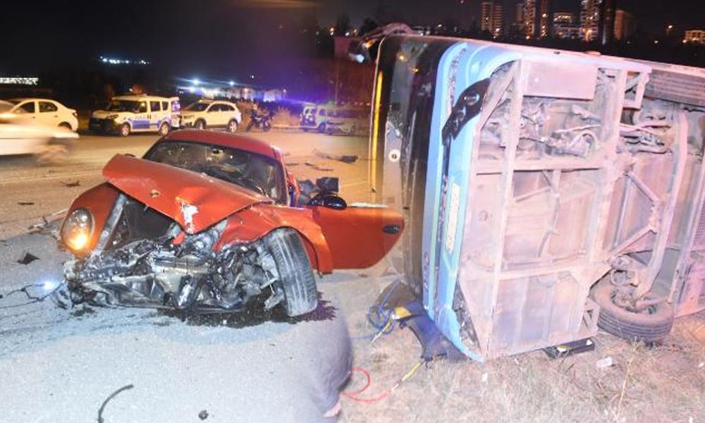 Otomobil ile çarpışan halk otobüsü devrildi: 1 ölü, 1 yaralı