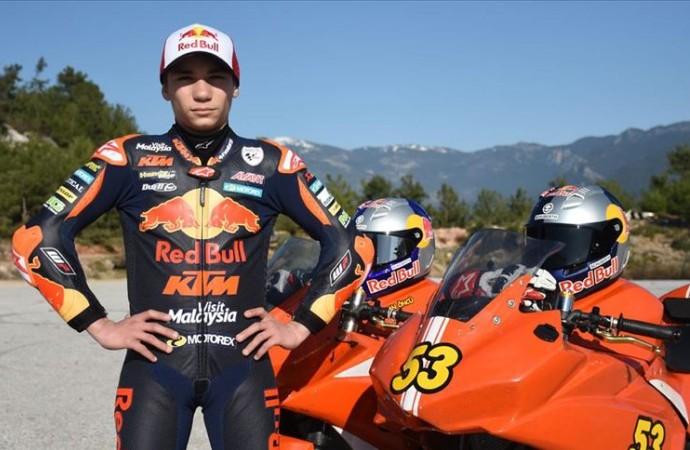 Milli motosikletçi Deniz Öncü İspanya'da