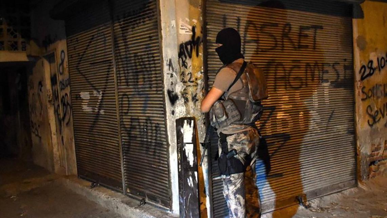 5 ilde silahlı organize suç örgütüne operasyon: 74 gözaltı kararı