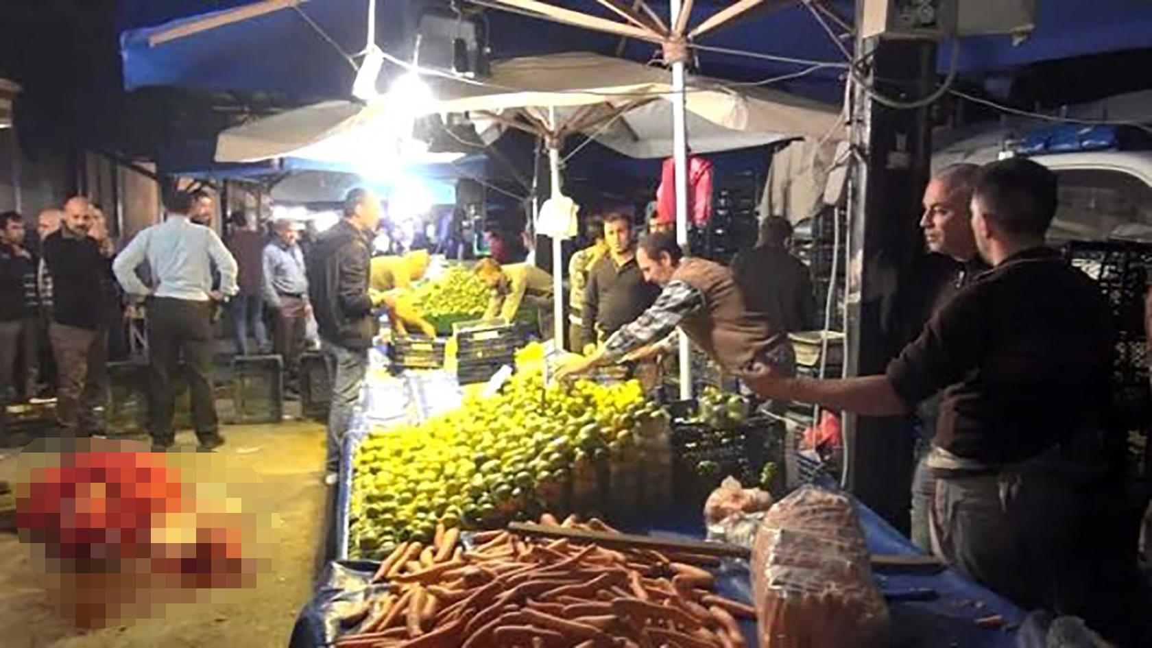Mandalina kavgasında pazarcıları vuran emekli polise tahliye