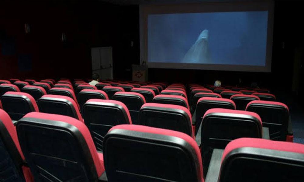 Koronavirüs sinemayı da vurdu! Sinema zinciri salonlarını kapatıyor