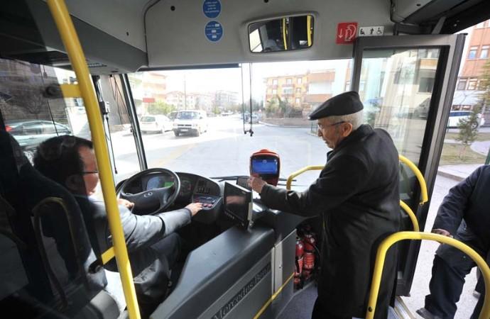 AKP yasayı geçirirse, 65 yaş üstü ücretsiz ulaşım iptal olacak…