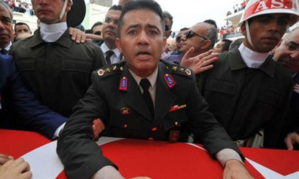 Yarbay Alkan'a 'askeriyeden baskı, Reis özür bekliyor' notu!