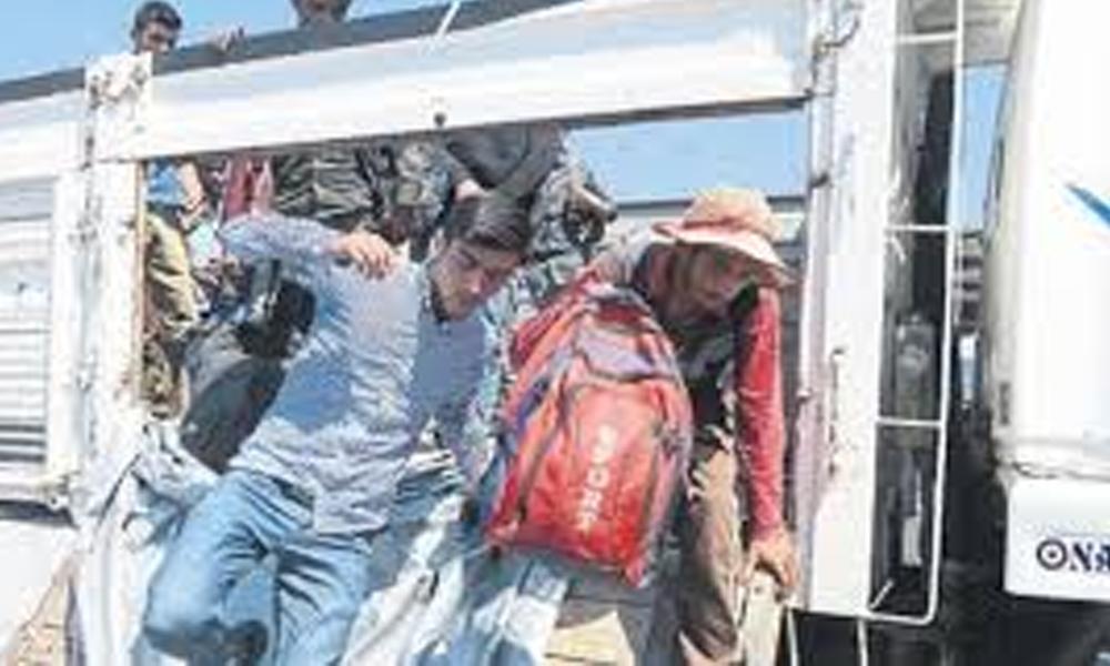 Umuda yolculuk böyle bitti! 'Koyun var' dediği kamyon kasasında 69 mülteci çıktı