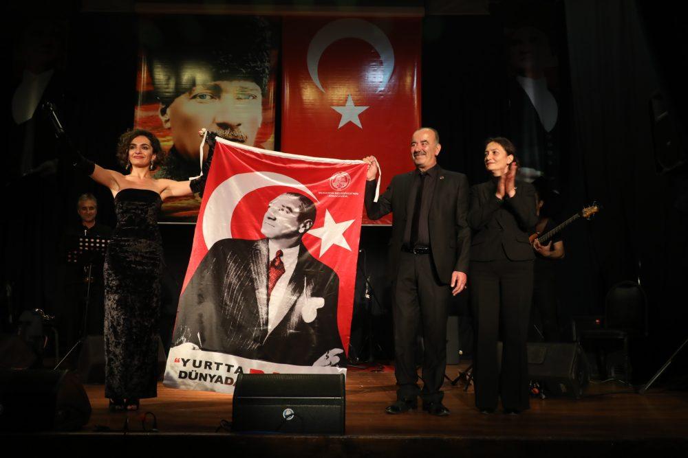 Ulu Önder Mudanya'da sevdiği şarkılarla anıldı