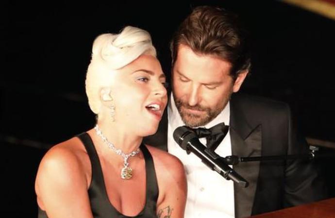 Lady Gaga ve Bradley Cooper aşkı tamamen kurgu!