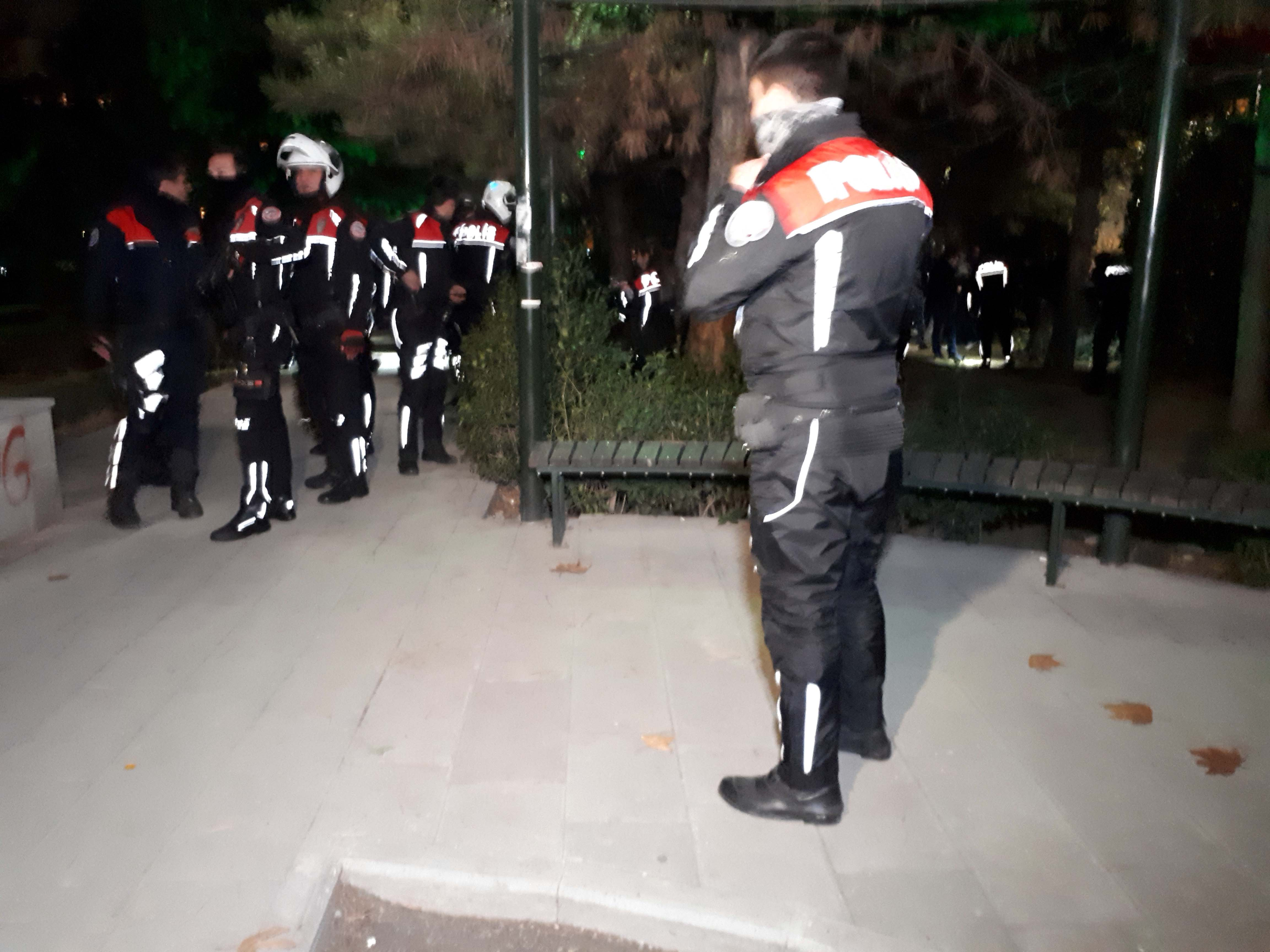 Ankara'da birliğinden firar edip havaya ateş açan asker, kendini vurdu