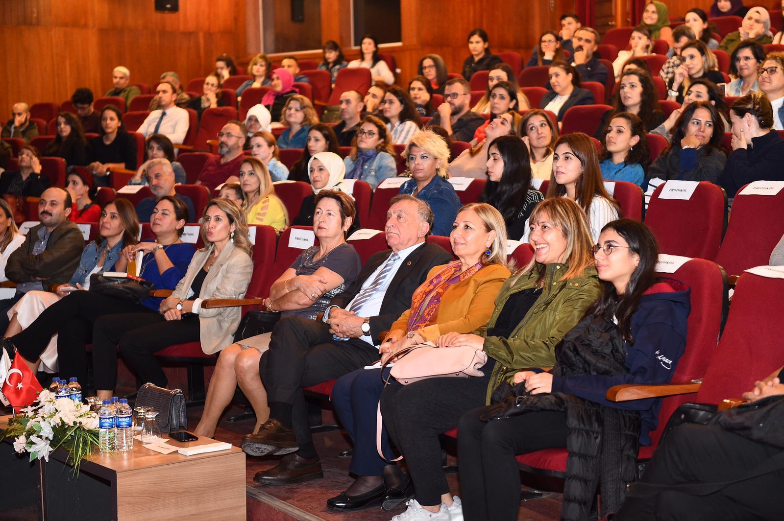 Seyhan'dan anne babalara konferans